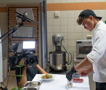 Nathanael in der Küche
